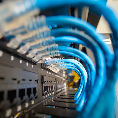 The Benefits of DX-Based Liquid Cooling for Small and Medium-Sized Data Centers